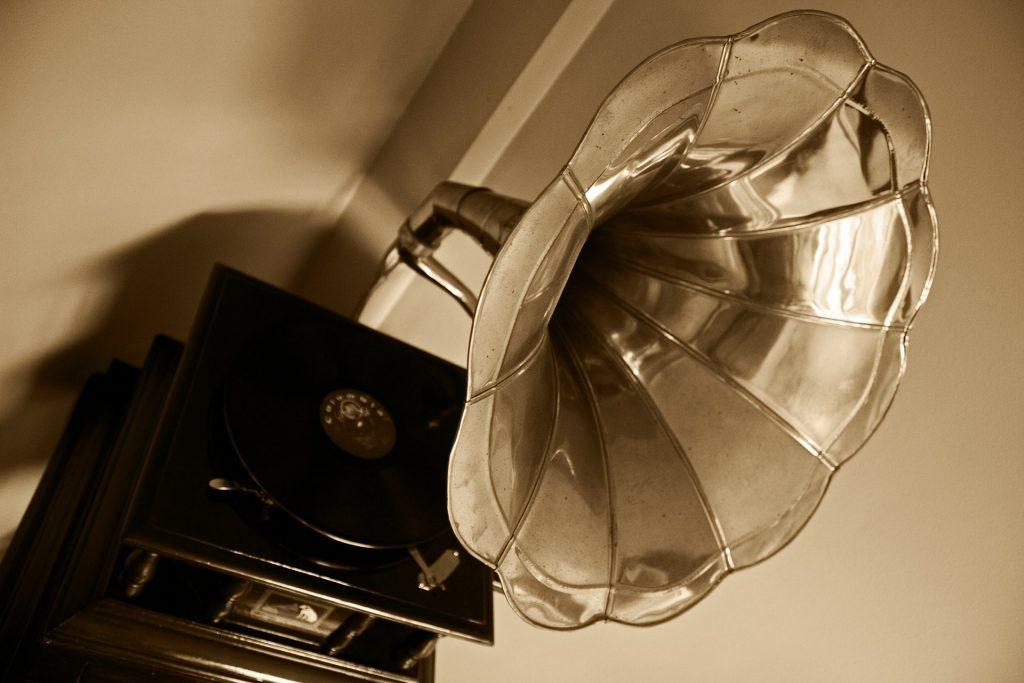 Gramófono antiguo